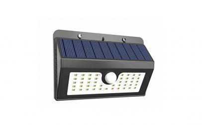 Lampa de perete cu panou solar