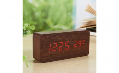 Ceas digital de birou din Mdf