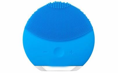 Mini aparat de masaj facial