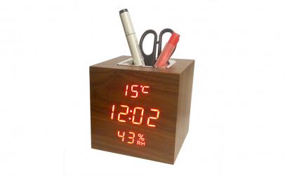 Ceas digital de birou cu suport pixuri