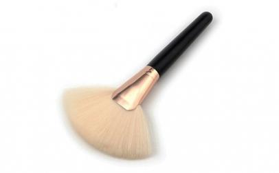 Pensula make-up brush, tip Evantai