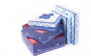 Set 3 cutii de cadou, la 35 RON in loc de 100 RON