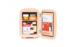 Mini frigider cosmetic piersica, 4L, TeamDeals 10 Ani, Ingrijire personala