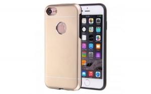 Husa Apple iPhone 7 Plus Motomo V2