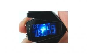 Ceas cu LED - tehnologia viitorului in culori negru, la 65 RON in loc de 130 RON