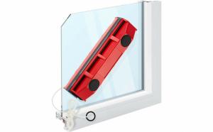 Dispozitiv magnetic pentru curatarea geamurilor