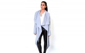 Cardigan de dama gri, asimetric, cu cordon la doar 89 RON in loc de 179 RON
