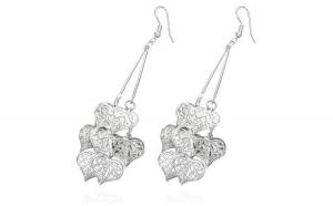 Cercei fantezie argintii decorati cu numeroase inimioare