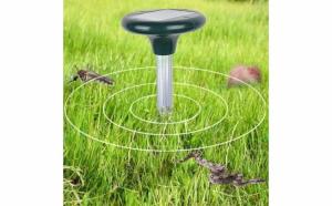 Dispozitiv solar anti daunatori