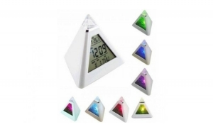 Ceas piramida cu 7 culori la numai 29 RON redus de la 85 RON
