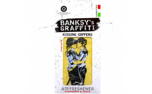 Odorizant auto Kissing Coppers Banksy