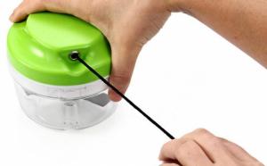 Marunteste rapid, simplu si fara efort cu noul Twister vegetable chopper
