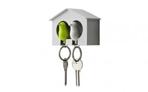 Suport pentru chei in forma de casuta + brelocuri- fluier in forma de pasarele, la doar 39 RON on loc de 99 RON