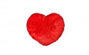 Perna inima rosie imitatie blana - 50 cm