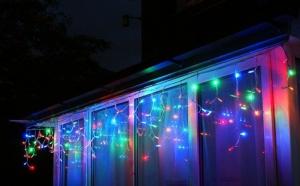 Instalatie Craciun franjuri cu LED uri multicolore