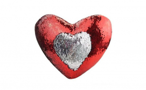 Perna decorativa cu paiete reversibile model inima rosu/argintiu 30 cm