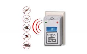 Set 2 aparate cu ultrasunete impotriva rozatoarelor si insectelor.