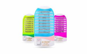 Aparat anti insecte cu 4 LED-uri