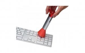 Perie cu picioruse retractabile pentru tastatura, la 19.9 RON in loc de 45 RON