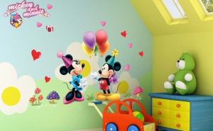 Autocolant Mickey and Minnie Mouse Sticker Perete 2015, la doar 43 RON in loc de de 86 RON