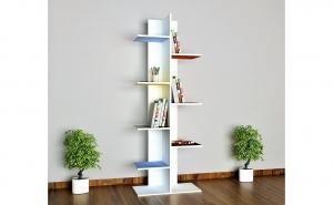 Biblioteca cu rafturi multicolore