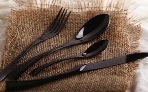 Set 4 tacamuri negre lux pentru bucatarii elegante si moderne, la 139 RON in loc de 279 RON
