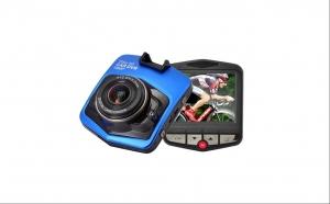 Camera auto DVR FULL HD de pana la 12 Mpx c900