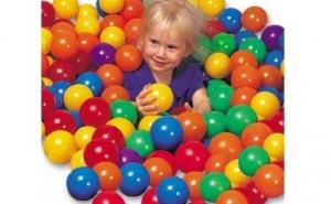 Set 100 de bile colorate pentru piscine si alte locuri de joaca