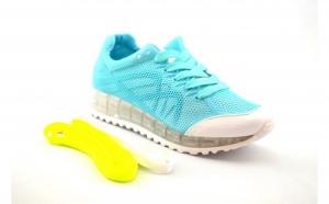 Adidasi dama bleu , la doar 100 RON in loc de 200 RON