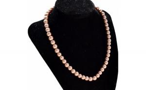 Colier de dama scurt cu perle acrilice