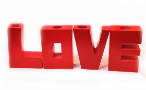 Suport Lumanari 3D in forma de litere LOVE