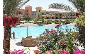 Soare, mare si cultura >> Sejur in Egipt, Hurghada - 7 nopti la The Three Corners Sunny Beach Resort 4* cu all inclusive + zbor dus-intors