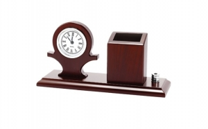 Set birou cu ceas si suport pixuri, din lemn masiv la 139 RON in loc de 278 RON