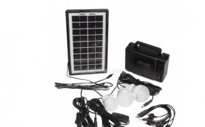 Kit panou solar: panou solar - 3 becuri cu 10 leduri SMD, cutie tip geanta pentru incarcarea becurilor, cablu USB cu 10 mufe GDLITE-1