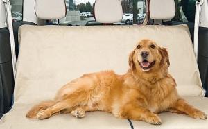 Fara par de animale in masina sau pe canapea: paturica protectoare cu orificii pentru centura siguranta, la doar 39 RON in loc de 99 RON