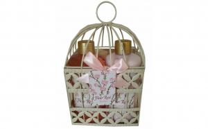 Set cadou in colivie cu 4 produse aroma trandafir
