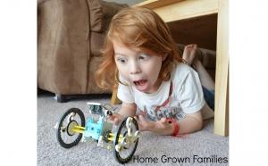 Dezvoltarea indemanarii si imaginatiei copilului cu Robotul Solar 14 in 1, baterie solara inclusa, 14 moduri de asamblare, materiale rezistente