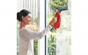 Aparat electric cu vacuum fara fir pentru curatat geamurile