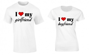 Set de tricouri pentru cuplu LOVE My Girlfriend/Boyfriend, la 99 RON in loc de 200 RON