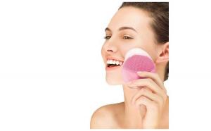 Perie pentru curatare faciala, demachiere si masaj ten