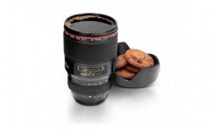Cana-termos in forma de obiectiv foto, la 31 RON in loc de 75 RON