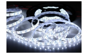 Banda LED cu lumina alb rece, 5 metri, 12V