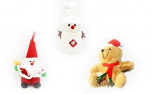 Pachet decoratiuni pentru brad format din om de zapada cu lumini, ursulet si Mos Craciun la doar 39 RON