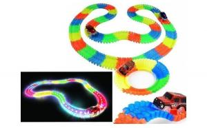 Pista luminoasa pentru copii - 56 piese si masinuta LED inclusa