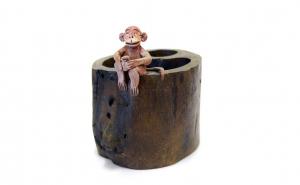 Suport pentru pix din lemn, figurina Maimutica