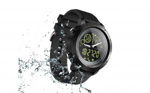 Ceas smartwatch 1.2 inch, compatibil Android 4.3, iOS 7.0 si peste, rezistent la praf si apa 5ATM, Gorilla Glass, autonomie de pana 16 luni