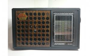 Radio XB-28AC, cu 4 benzi radio