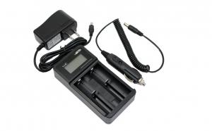 Incarcator universal acumulatori Efest Luc V2, cu ecran LCD si adaptor auto, la 105 RON in loc de 210 RON