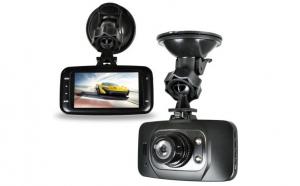 """Martorul tau in trafic """"Camera auto GS8000L FULL HD """", NIGHT VISION, senzor de miscare, la doar 199 RON de la 410 RON, cu livrare imediata! Vezi VIDEO!"""