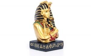 Tutankamon din rasina cu hieroglife